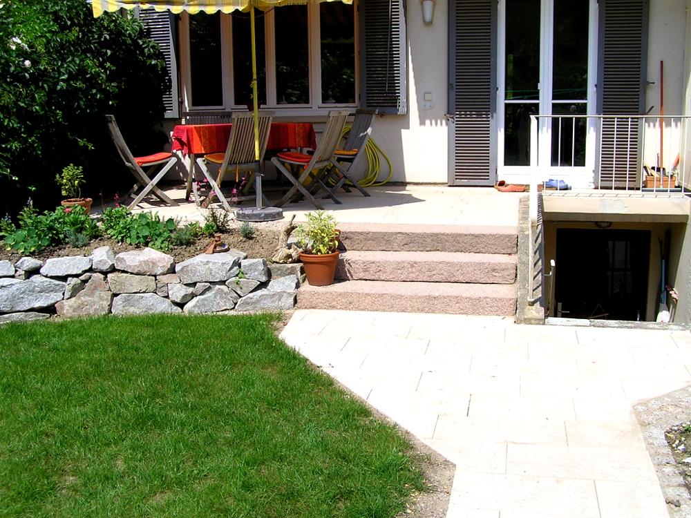 Treppe Blockstufe Granit